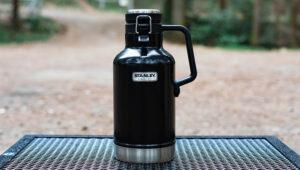 キャンプで氷の長持ち保存・持ち運びにはスタンレーグロウラーが最適!実際の使用感をブログでレビュー!