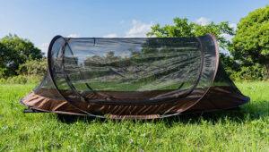 コットの蚊帳は「ポップアップメッシュシェルター」が最強。アルパインデザインとフィールドアを2つ持ちの僕が解説。